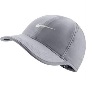 NWOT Women's Nike Featherlight 2.0 Cap Gray